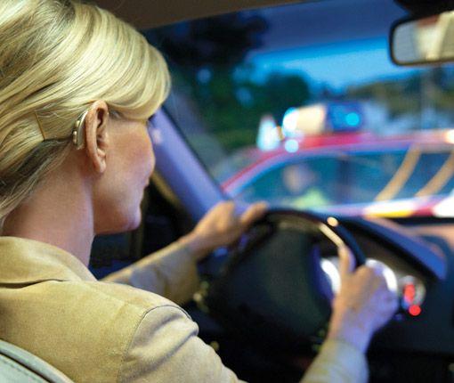 Hörgerät im Straßenverkehr