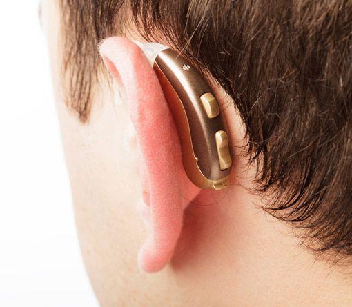 Hinter dem Ohr Hörgerät